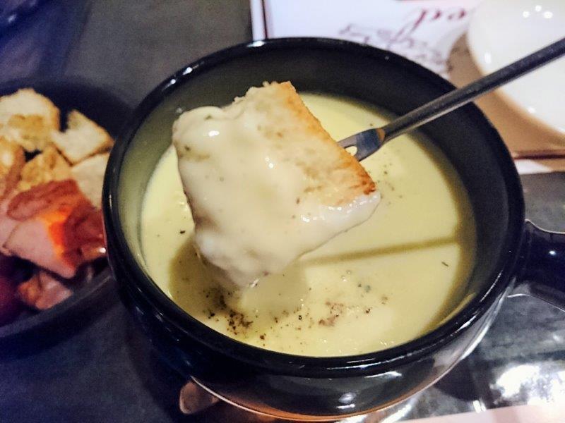 ワインとチーズの小さなレストラン Breed