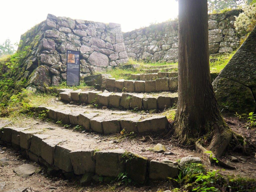 【岐阜】古城感すご!女城主で有名な岩村城は日本三大山城の ...