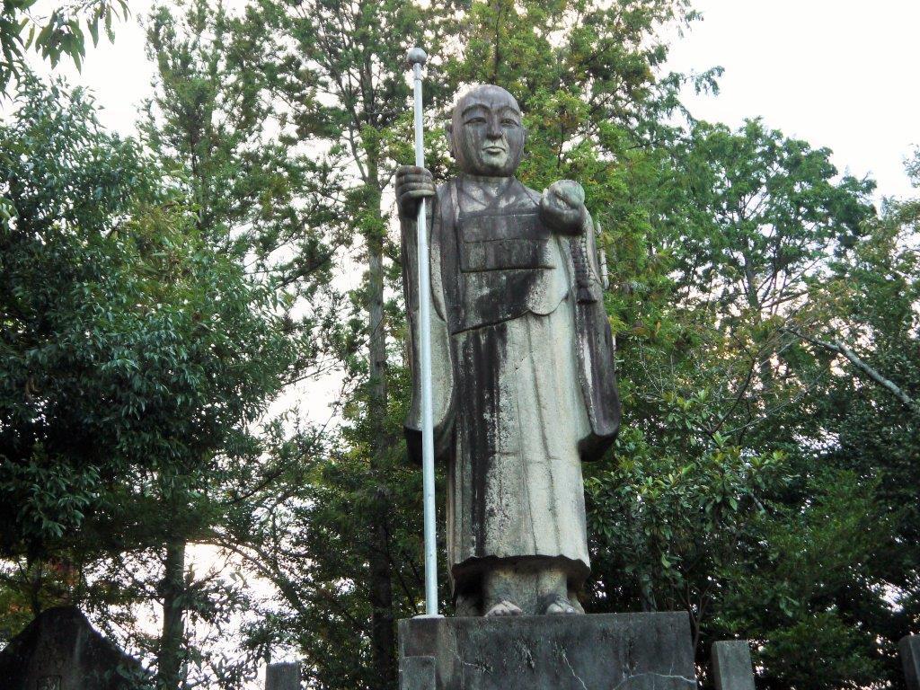 中津川の山王寺、日本一の石仏