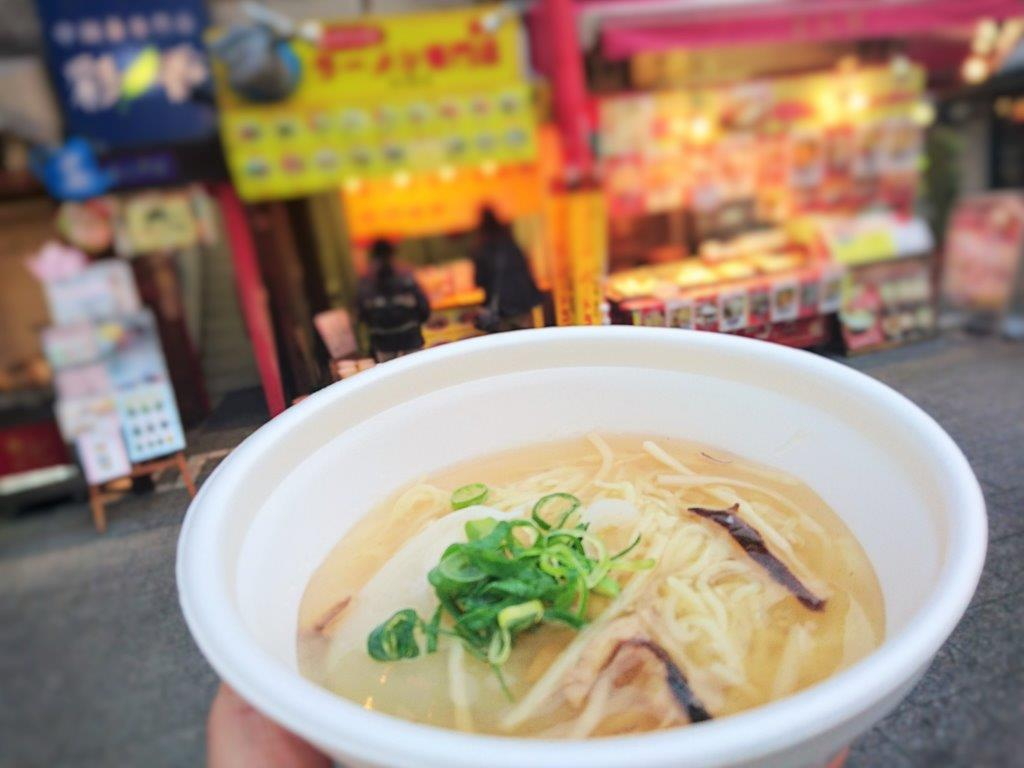 神戸南京町の鮫麺屋