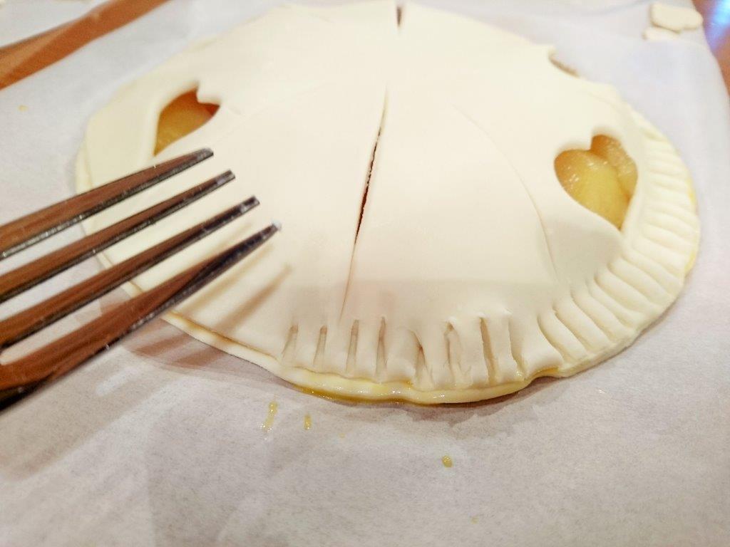 マキノピックランドでアップルパイ作り